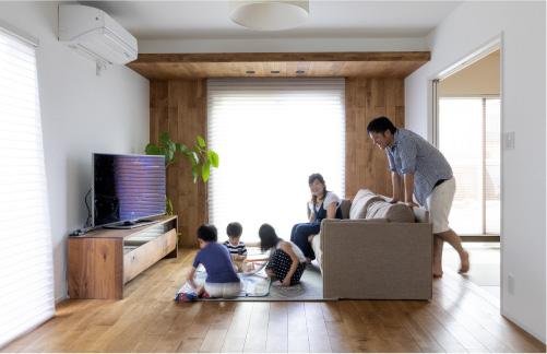 木と鉄の複合梁を採用した耐震工法で長く住み続けられる安心を